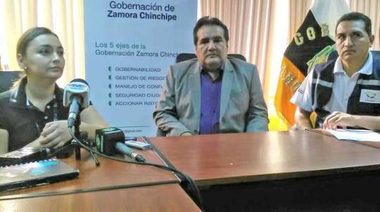 INFORME. Viviana Chacón, Franco Salinas y Ronal Salgado. Foto: La Hora
