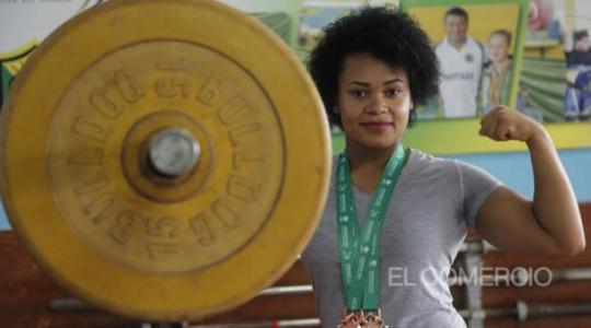 Neisi Dajomes ha ganado 20 medallas en campeonatos mundiales y se visualiza en el podio en Tokio 2020. Foto: El Comercio