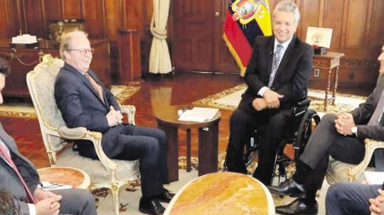 En marzo el presidente Moreno se reunió en Quito con Axel Van Trotsenburg (izq. centro) viceperesidente del Banco Mundial para América Latina y el Caribe. Foto: El Tiempo