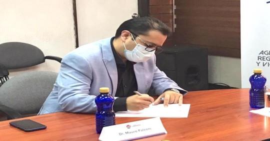 Ecuador autoriza importación de 5 millones de dosis de vacuna de AstraZéneca / foto ARCSA
