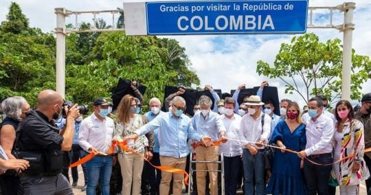 Duque y Lasso inauguran corredor vial en la frontera / Foto: EFE