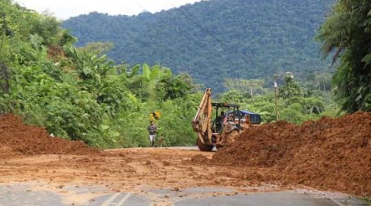 Ocho derrumbes mantienen bloqueado el paso vehicular de la vía Méndez-Morona, en la provincia amazónica de Morona Santiago. Foto: Cortesía zonal 6 del Ministerio de Transporte y Obras Públicas.  Foto: El Comercio