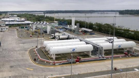 Por primera vez, la estatal petrolera Petroecuador inspecciona sus bodegas. Foto: Expreso