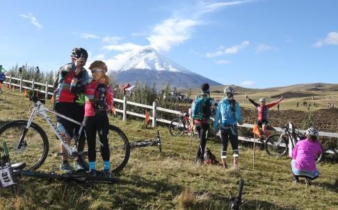 Competencia Vuelta al Cotopaxi Amarok 2016 12-11. Foto tomada del Ministerio de Turismo.