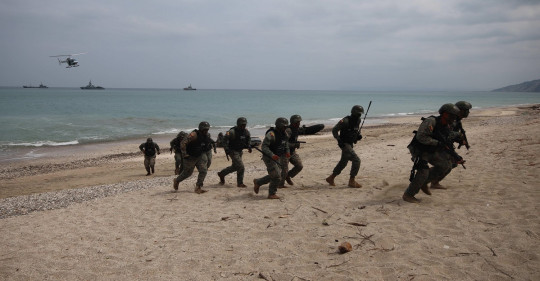 Ecuador entrega a Perú el testigo de las maniobras militares Unitas para 2021 / Foto: EFE