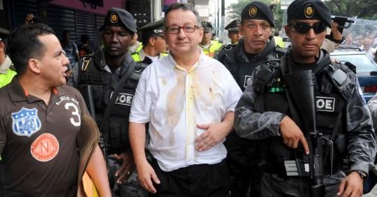 Ecuador reconoce la violación a derechos de periodistas demandados por Rafael Correa/ Foto: EFE
