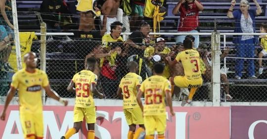 Independiente, Liga y Barcelona, pelea cerrada por ganar la primera etapa / Foto: EFE