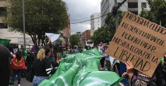La Corte Constitucional aprueba el aborto por violación en un fallo histórico / Foto: EFE