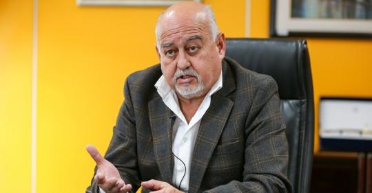 Gobierno dejará las cuentas en orden pero mayor deuda, dice el ministro de Finanzas / Foto: EFE