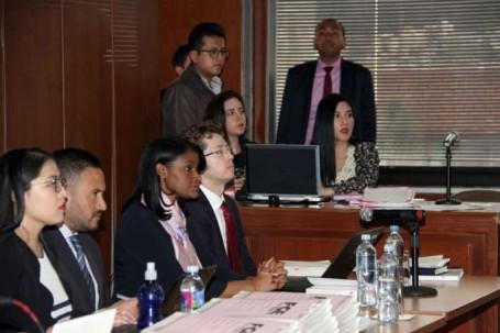ACTUACIÓN. Esta es la primera audiencia a la que asiste la fiscal general, Diana Salazar (centro), quien asumió el cargo hace pocas semanas. Foto: La Hora