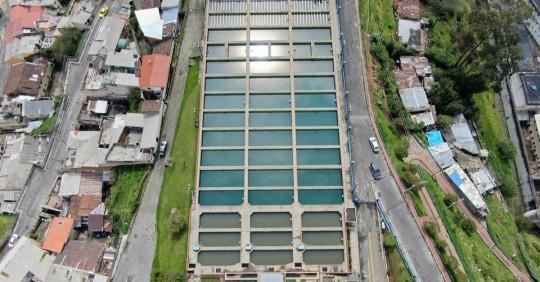 La inversión será para modernización de la infraestructura de abastecimiento de agua y las instalaciones de tratamiento de aguas residuales en Ecuador. Foto: Shutterstock
