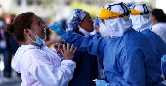 Ecuador alcanza los 202.356 casos y 13.896 muertes acumuladas por covid-19 / Foto: EFE