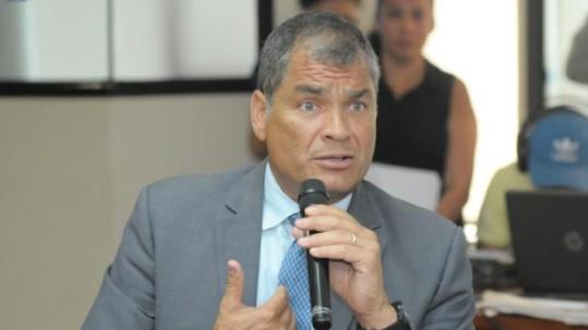 El expresidente Rafael Correa, en una foto de archivo, de febrero de 2018, en Guayaquil. Foto: La República