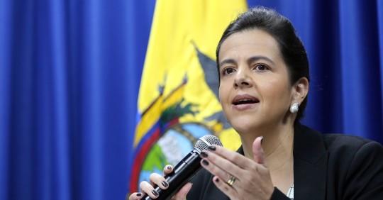 La ministra de Gobierno de Ecuador anunció un plan piloto para el retorno a las aulas. Foto: EFE