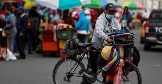 Ecuador reporta 121.525 positivos y 10.99 6 fallecidos por la COVID-19 / Foto: EFE