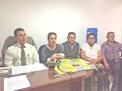 Representantes de la Federación Regional de Minería Artesanal y Pequeña Minería de la Zona 7. Foto: La Hora