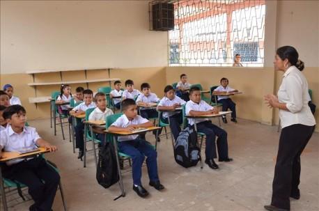 Las clases fueron suspendidas en la Sierra y Amazonía por el coronavirus. Foto: Ecuavisa