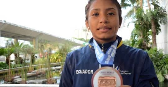 Lucía Yepez clasificó a los Juegos Olímpicos de Tokio en lucha / Foto: cortesía Secretaría de Deporte