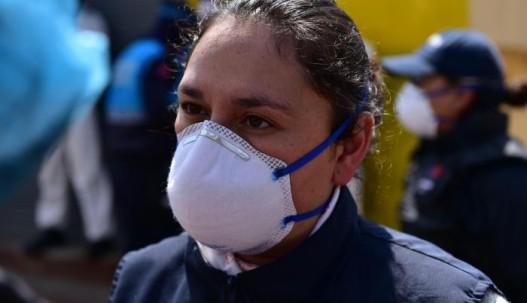 Los ciudadanos toman precauciones como el uso de mascarillas para no contagiarse del nuevo virus. Karina Defas / EXPRESO