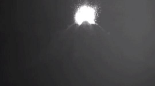 Tras la ocurrencia de un nuevo pulso eruptivo en el Sangay, el Ministerio de Turismo emitió la tarde de este 12 de mayo del 2019 una recomendación para que turistas no se acerquen a las inmediaciones del coloso. Foto: El Comercio