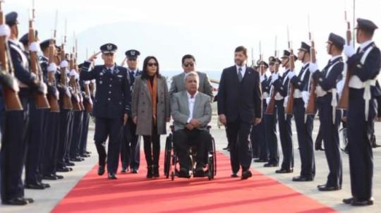 INVESTIGACIÓN. El presidente, Lenín Moreno, en su cuenta de Twitter, pidió que se haga la investigación. Ayer llegó a Chile. Foto: La Hora