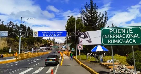 Ecuador ratifica que mantendrá cerrada su frontera con Colombia - Foto EFE