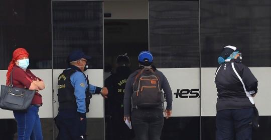 Ecuador registra 141.034 positivos y 11.647 fallecidos por COVID-19 / Foto: EFE