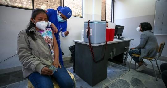 Niños de entre 5 y 11 años recibirán vacunas de Sinovac y Pfizer desde el 18 de octubre / Foto: cortesía
