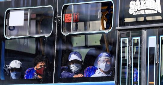 Ecuador tenía previsto recibir este 18 de enero el primer lote de vacunas adquiridas a Pfizer. Foto: EFE