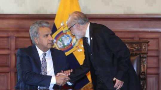 Tiempos. El presidente Lenín Moreno anunció ayer junto al del Consejo de Participación, Julio César Trujillo, los nuevos planes de fiscalización. Foto: Expreso)