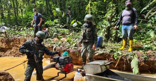 El Ejército encontró 3 campamentos de minería ilegal en Orellana / Foto: Fuerzas Armadas