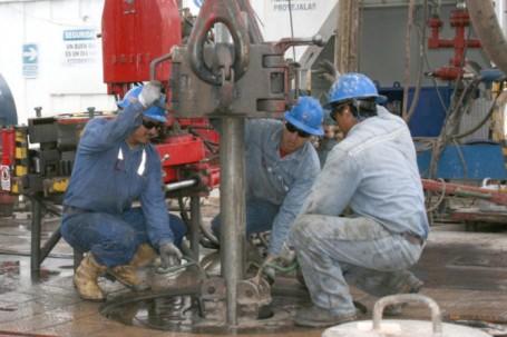 """A través de la operación """"spot"""", el país producirá una venta directa a una refinería y obtendrá un mejor precio por el crudo. Foto: El Mercurio"""