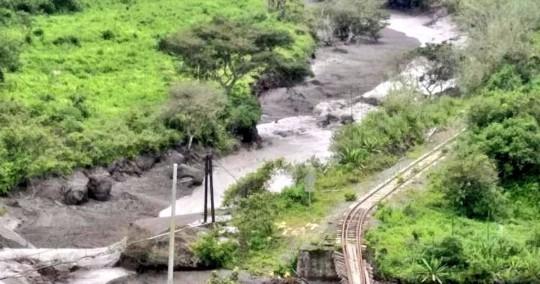 Gobierno de Ecuador atiende emergencia Chunchi tras alud de gran proporción / Foto cortesía Ejército