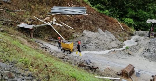 Minería artesanal en Ecuador / Foto: IIGE