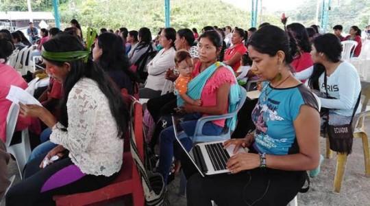 Las representantes de las ocho nacionalidades y 12 organizaciones indígenas de Sucumbíos, Orellana, Napo, Pastaza y Morona Santiago participaron en la asamblea. Fotos: El Comercio
