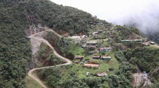 El acceso terrestre al campamento de la Compañía Minera Afrodita solo es posible desde Ecuador. Foto: El Comercio