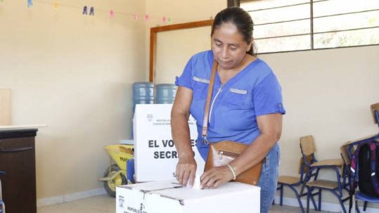 Una habitante se Sansahuari ejerció su derecho al voto (Foto: Expreso)