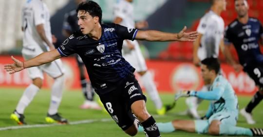 Independiente superó a Liga y el venezolano Farías anotó un hat-trick con la U. Católica / Foto: EFE