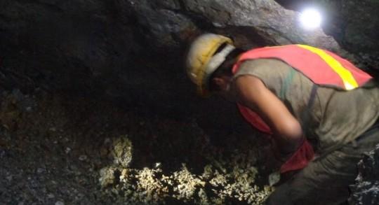 Evaluación de los costos operativos del ciclo minero artesanal y de pequeña minería / Foto IIGE