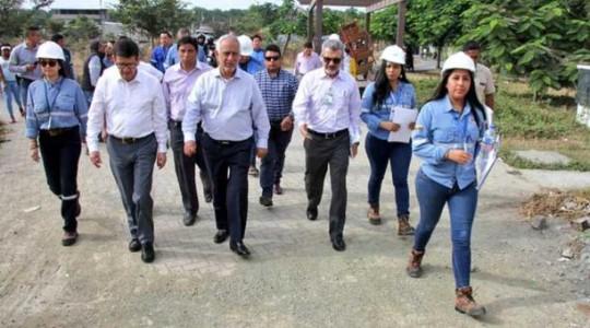El ministro Carlos Pérez participó en un evento en la Isla Trinitaria, en el sur de Guayaquil, la mañana de este miércoles 24 de julio del 2019. Foto: El Comercio