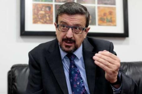 Acción. Salvador presentó la denuncia. Foto: La Hora