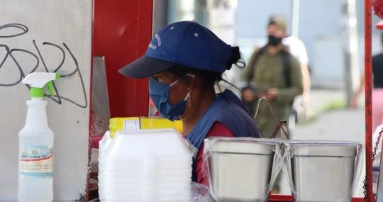 La pandemia en Ecuador, una amenaza mayor para la mujer / Foto: EFE