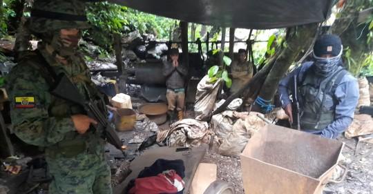 Fuerzas Armadas detuvieron a 7 personas por minería ilegal en Sucumbíos / Foto: cortesía Fuerzas Armadas