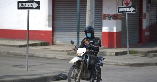 La Policía refuerza seguridad por auge de delincuencia en Guayaquil. Foto: EFE