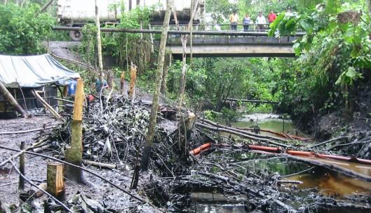 Los derrames petroleros continúan imparables en la Amazonía de Ecuador / Foto El Oriente