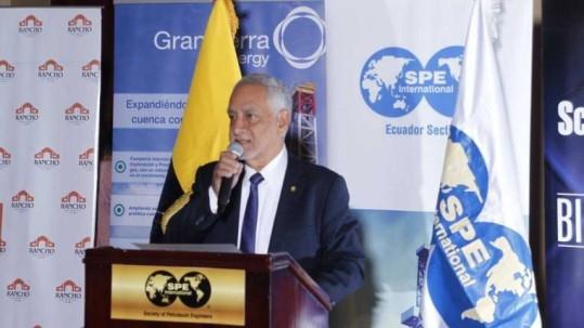 El ministro Carlos Pérez mencionó que se adelantarán contratos para el desarrollo de siete bloques petroleros. Foto: Expreso