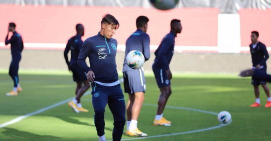 """Alfaro: """"Tenemos que hacer un partido intenso y permanente"""" ante Uruguay / Foto: EFE"""