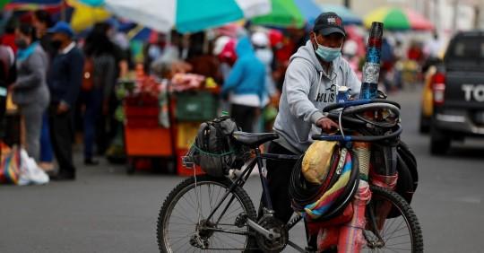 Ecuador registra 135.749 positivos y 11.312 fallecidos acumulados por COVID. Foto: EFE