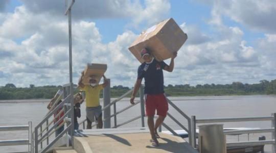 Empresas y el Municipio de Orellana entregaron equipos e insumos médicos al hospital de Nuevo Rocafuerte. Foto: Cortesía Municipio de Orellana
