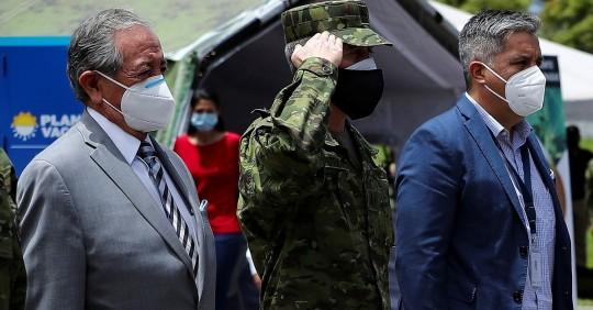 Ecuador quiere superar el caos y ampliar vacunación a 50.000 personas diarias / Foto: EFE
